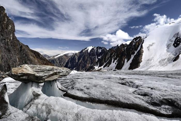 5dda018b6e672_aktru_glaciers.jpg