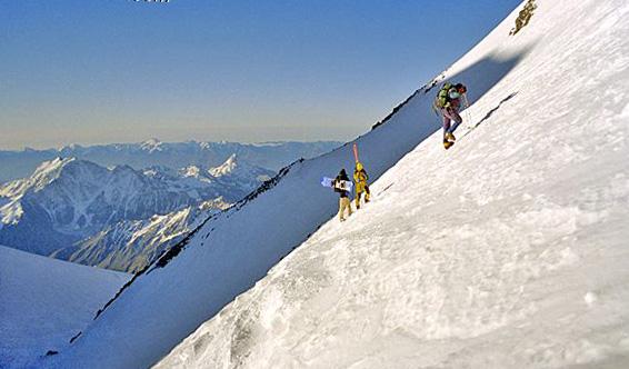 5981dbc0d2900_Elbrus_ski_snbrd04.jpg