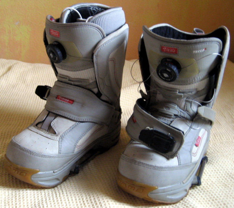 5ba62d490694 Продам сноуборд-крепления SWITCH и ботинки к ним (женские), рукавицы ...
